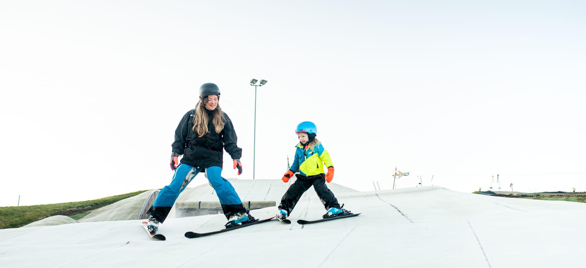 snowsports-banner-background-2000-915